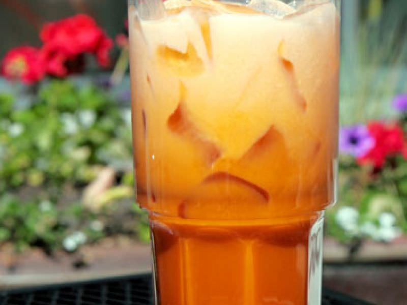 You Can Stay Healthy And Cool This Summer By Opting For Satisfying Turmeric Thai Iced Tea Recipe It Is From Emed Real Food The